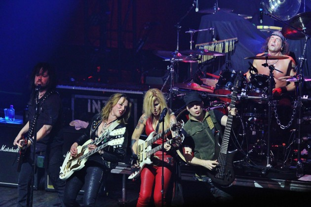 Lita-Ford-and-Lzzy-Hale-in-a-concert-in-New-York-City-halestorm-39581420-630-420